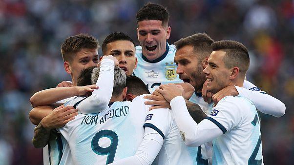 Kupa Amerika: Şili'yi mağlup eden Arjantin 3. oldu; Medel ile kavga eden Messi kırmızı kart aldı