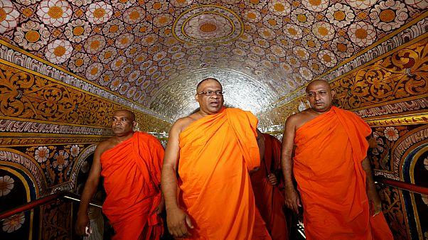 تأهب أمني بسريلانكا مع عقد رهبان بوذيين أول اجتماع منذ هجمات عيد القيامة