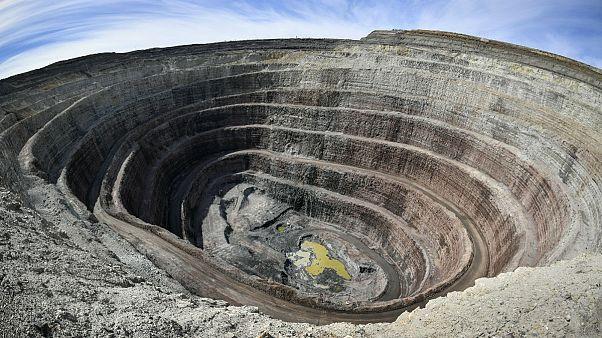 هجوم جویندگان الماس به سیبری؛ دولت روسیه ۲۴ ساعته مشغول استخراج است