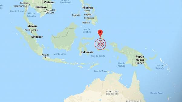 Un terremoto de magnitud 7,1 sacude con fuerza el este de Indonesia. Se activa la alerta por Tsunami