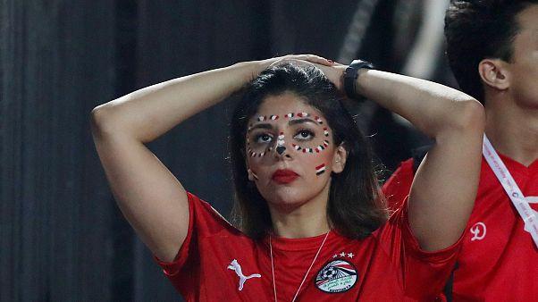إحدى مشجعات منتخب مصر بعد الإقصاء على يد جنوب أفريقيا