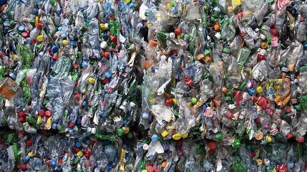 Műanyagpalackok újrahasznosítása Svájcban