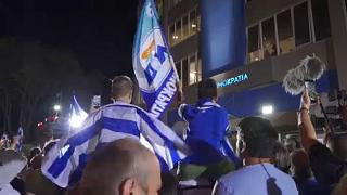 Apoiantes da Nova Democracia comemoram vitória de Mitsotákis