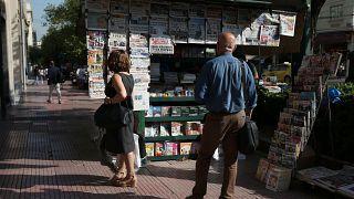 Gregos entre o otimismo e o ceticismo com mudança de governo