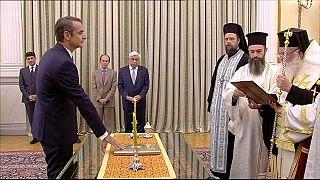 Kyriakos Mitsotakis jura el cargo como primer ministro de Grecia