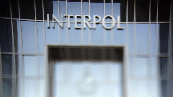 همسر رئیس سابق اینترپل از پلیس بینالملل به دادگاه لاهه شکایت کرد