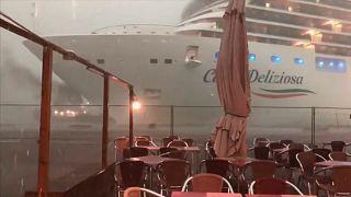 Pier beinah gerammt: Neuer Vorfall mit Kreuzfahrtschiff