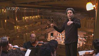 """Gustavo Dudamel beschwört die Natur beim Festival """"Rencontres Musicales d'Évian"""""""