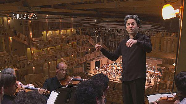 Gustavo Dudamel deslumbra en el festival 'Rencontres Musicales d'Évian'