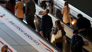 Felfüggesztette kairói járatait a British Airways
