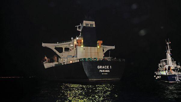 ظریف خطاب به بریتانیا: فورا به توقیف نفتکش حامل نفت ایران پایان دهید