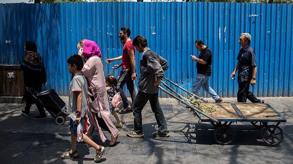 مرکز آمار ایران ادعا کرد: کاهش کم سابقه نرخ بیکاری در بهار ۱۳۹۸