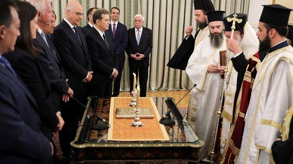 Novo governo grego toma posse
