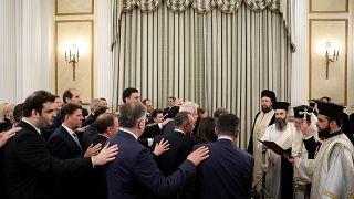 Konservativ und pro-europäisch: Griechische Regierung vereidigt
