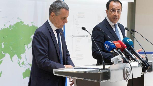 Ο Υπουργός Εξωτερικών της Κύπρου Νίκος Χριστοδουλίδης και ο Υπουργός Εξωτερικών της Ελβετίας Ignazio Cassis, προβαίνουν σε δηλώσεις στα ΜΜΕ.