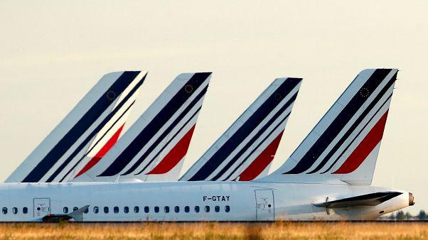 Fransa'da uçak biletlerine ek çevre vergisi geliyor: Fiyatlar 1,5 ila 18 euro artacak