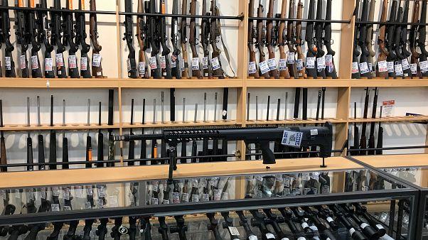 Yeni Zelanda'nın Christchurch kentinde bir silah dükkanı