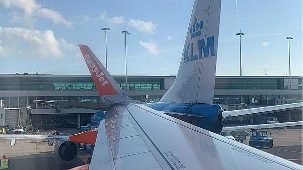 شاهد: تصادم بين طائرتين في مطار أمستردام