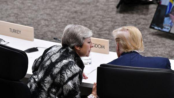 ترامپ سفیر بریتانیا در آمریکا را احمق و ترزا می را دنباله رو سیاست های احمقانه خواند