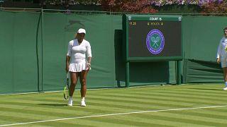 Serena Williams im Halbfinale - 9000 Euro Geldstrafe wegen Platzbeschädigung