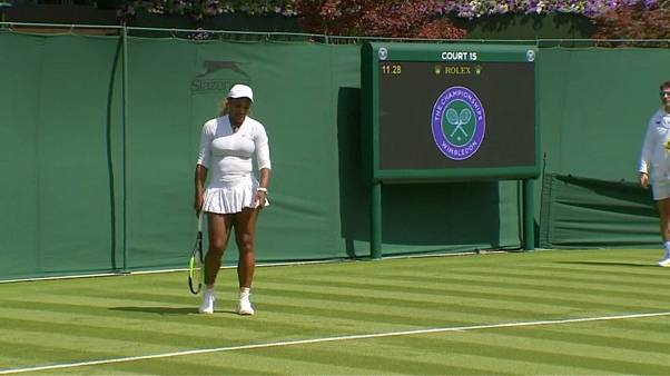 Danificar 'court' de Wimbledon sai caro a Serena Williams