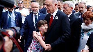شاهد: الرئيس التركي يشارك في الذكرى الـ 24 لمجزرة سريبرنيتشا