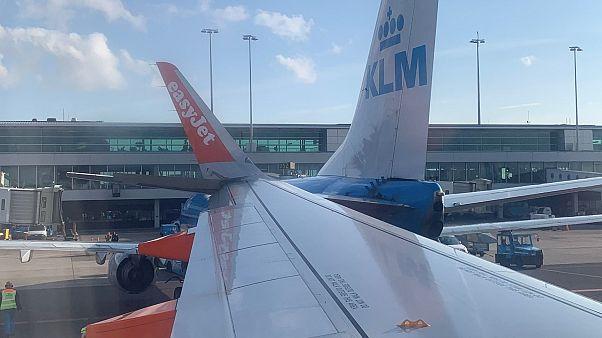 Összeütközött két gép az amszterdami reptéren