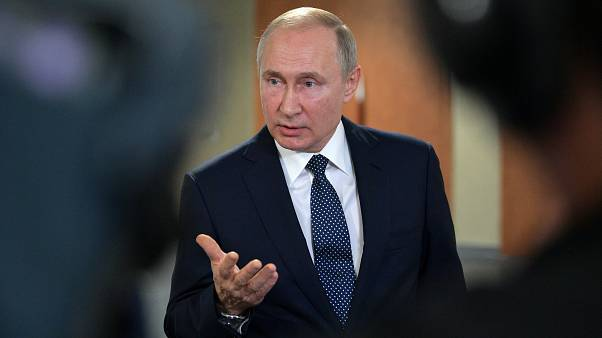 Ο Πούτιν υποστηρίζει ότι οι ανεμογεννήτριες βλάπτουν τα πουλιά και τα σκουλήκια!