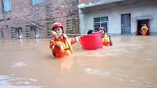 تخلیه هزاران تن در چین به دنبال سیلهای موسمی