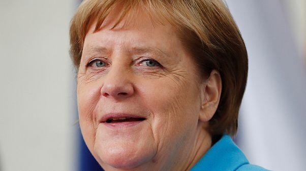 Меркель дрожит в третий раз за месяц