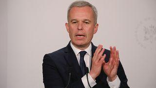Fransa'nın eski meclis başkanı özel partilerin masrafını devlete ödetmiş