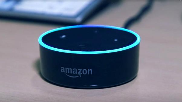 Zukunft? Alexa statt Arzt - Großbritannien kooperiert mit Amazon