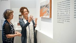 Artist Maria José Rodrigues Escolar (right) pictured with Dr. Michele Bambling, creator of the Lest We Forget project (left)