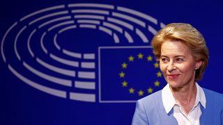 Кто такая Урсула фон дер Ляйен, кандидат на высший пост в ЕС?