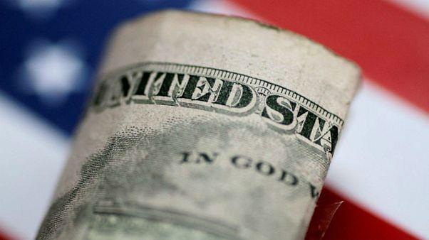 جهش نفت و طلا؛ ایستادگی دلار در مرز ۱۳ هزارتومان