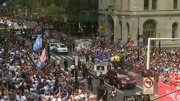 Milhares recebem campeãs do mundo em Nova Iorque