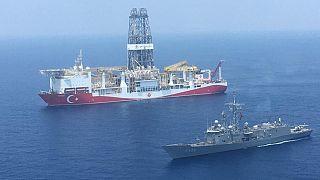Τουρκικό ΥΠΑΜ: Πολεμικά σκάφη συνοδεύουν τα γεωτρύπανα