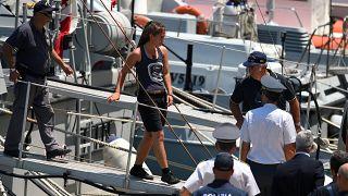 Alman kadın gemi kaptanı Carola Rackete