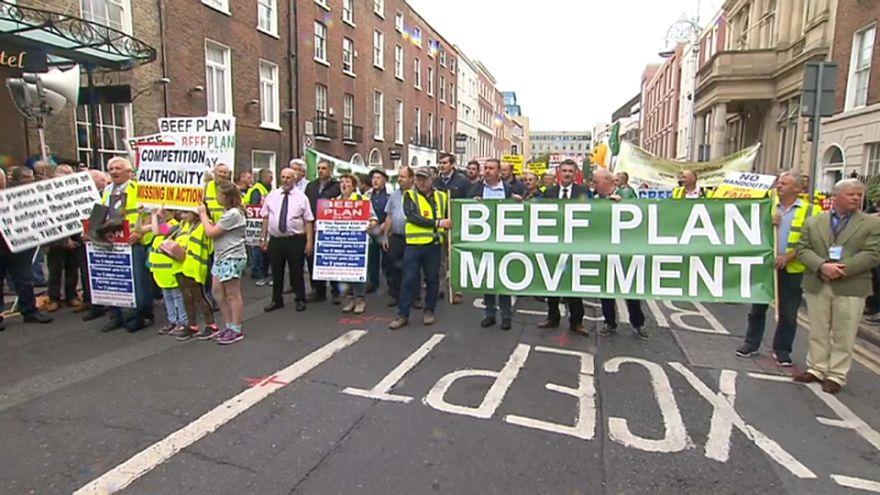 مزارعون إيرلنديون ينددون باتفاق التبادل الحر بين الاتحاد الأوروبي ودول ميركوسور.. ما السبب؟