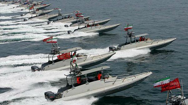 تلاش «ناموفق قایقهای سپاه» برای توقیف نفتکش بریتانیایی؛ سپاه تکذیب کرد