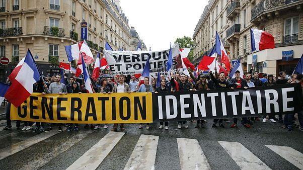 راست افراطی فرانسه با هلیکوپتر و خودروهای شاسیبلند علیه مهاجران