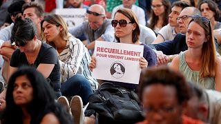 Fransa'da yaşam destek ünitesi çekilen bitkisel hayattaki Vincent Lambert hayatını kaybetti