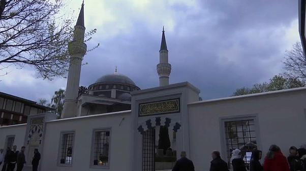 Более половины немцев видят в исламе угрозу