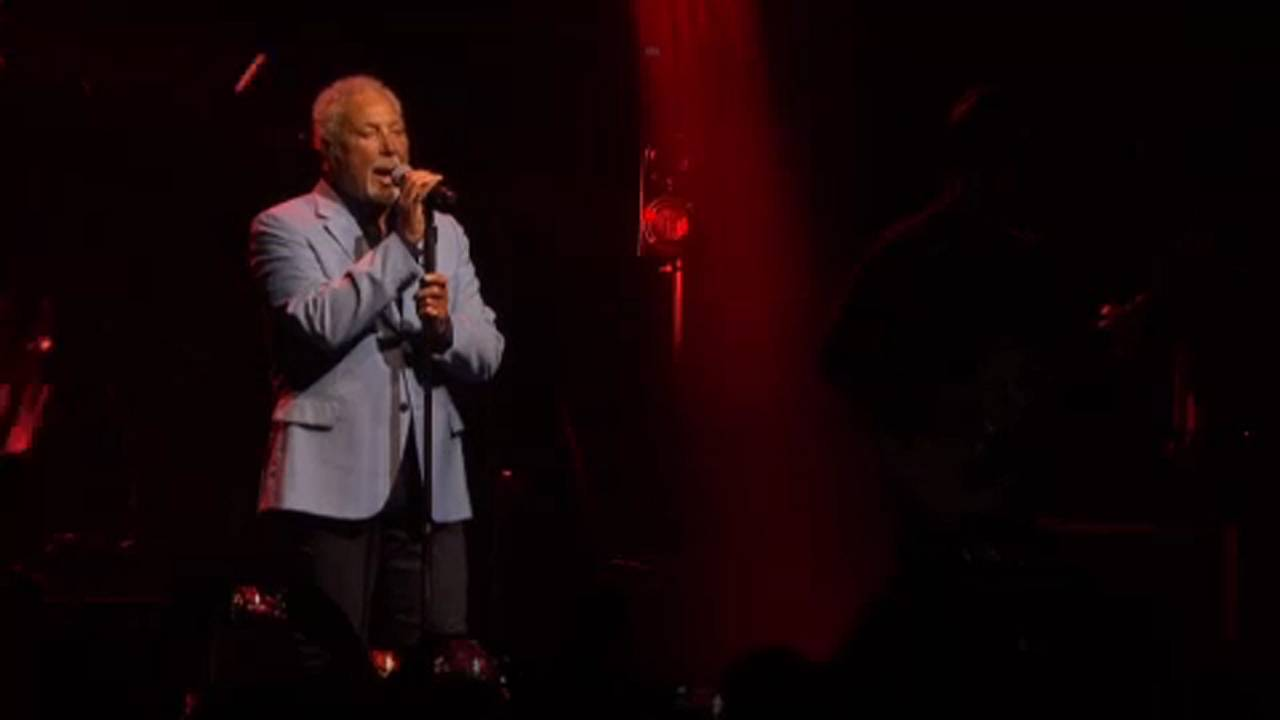 Tom Jones, Rita Ora y Tower of Power en Montreux