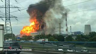 1 Toter und mindestens 13 Verletzte bei riesigem Feuer in Moskau