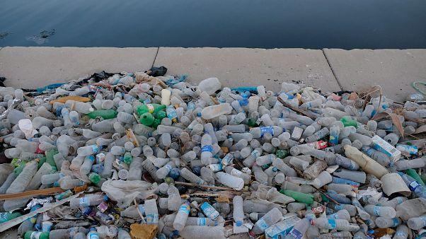 Fizetnek a halászoknak Görögországban a kifogott műanyagszemétért