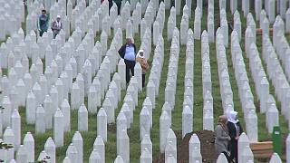 Mourners mark anniversary of Srebrenica massacre