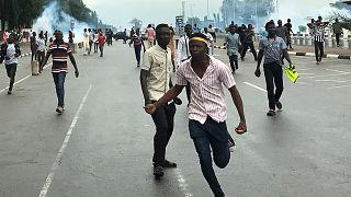 الشرطة النيجيرية تطلق الرصاص الحي خلال احتجاج للشيعة في أبوجا وتعتقل عشرة