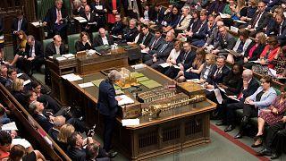 رئيسة الوزراء البريطانية تيريزا ماي تلقي كلمة في مجلس العموم