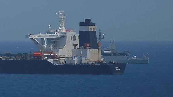 Cebelitarık'ta alıkonulan İran petrol tankerinin kaptanı ve birinci zabiti tutuklandı